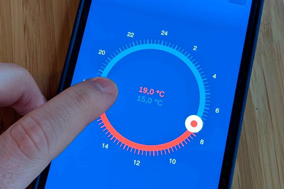 Nachts kalt, tagsüber warm: Mit Smarthome-Systemen und vernetzten Heizkörpern lässt sich das Heizen weitgehend automatisieren.
