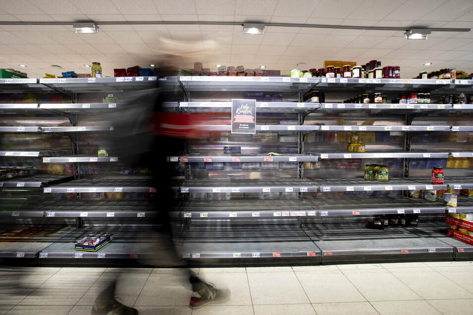 Leere Supermarktregale sind in der Corona-Krise fast schon normal geworden.