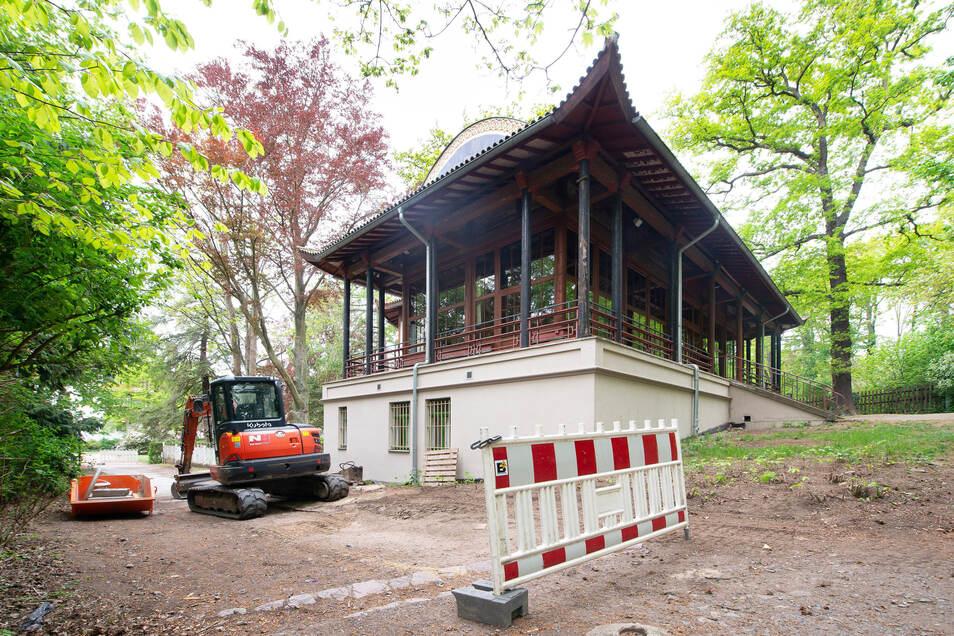 Vor kurzem wurde die Abwasserleitung am Chinesischen Pavillon erneuert.