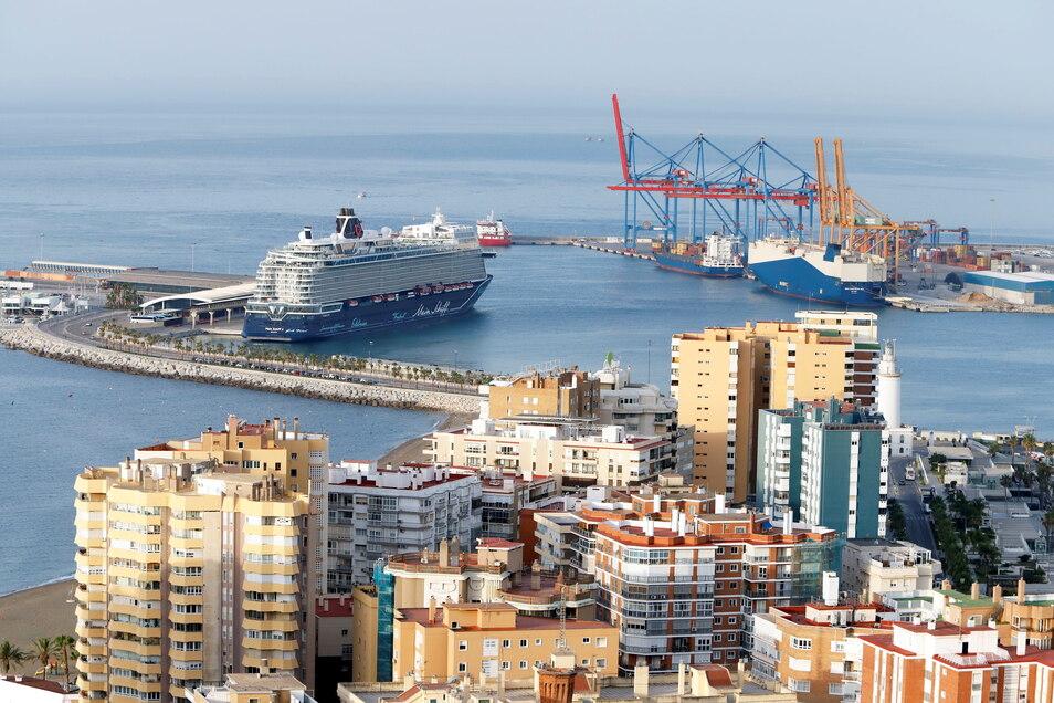 """Am Dienstag lag die """"Mein Schiff 2"""" noch im Hafen von Malaga vor Anker. Heute hat das Kreuzfahrtschiff Palma erreicht."""