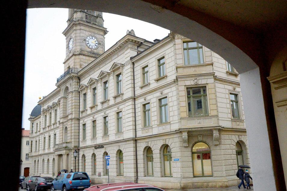 Ab 30. November sind Besucher im Rathaus nur noch dienstags ohne vorherige Terminvereinbarung zugelassen.