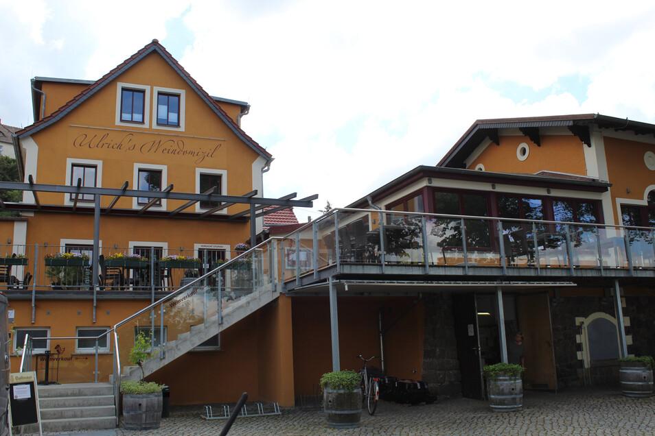 """Erst vor sieben Jahren wurde der ehemalige """"Rosengarten"""" als Ulrichs Weindomizil mit Gaststätte, Vinothek und Pension neu eröffnet."""