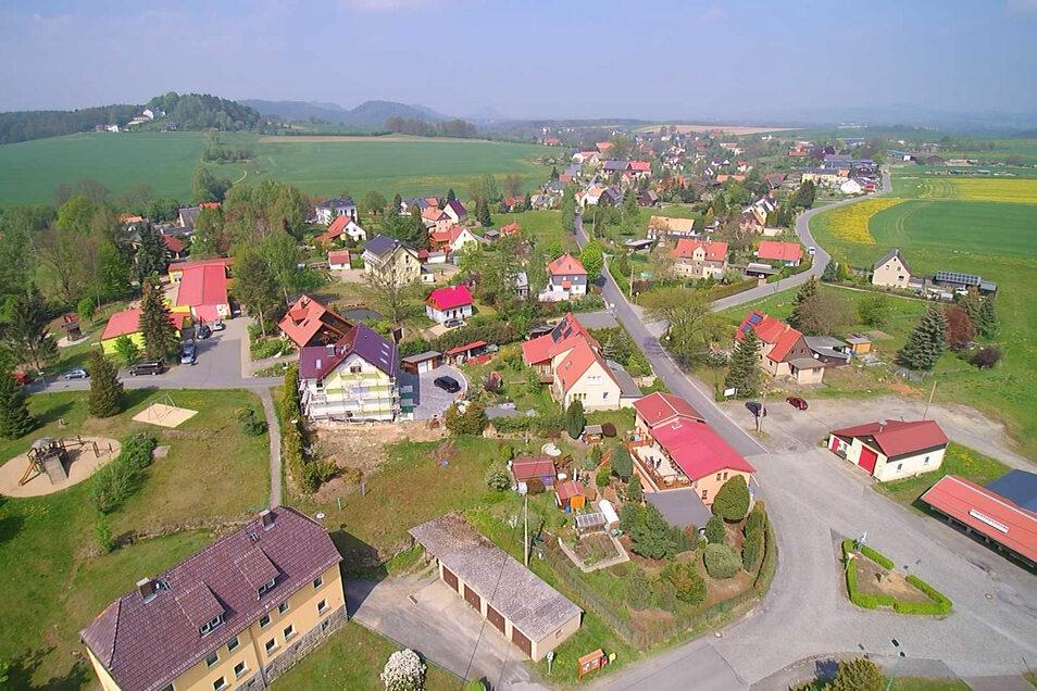 Reinhardtsdorf von oben: Am 26. Mai wird ein neuer Gemeinderat gewählt.
