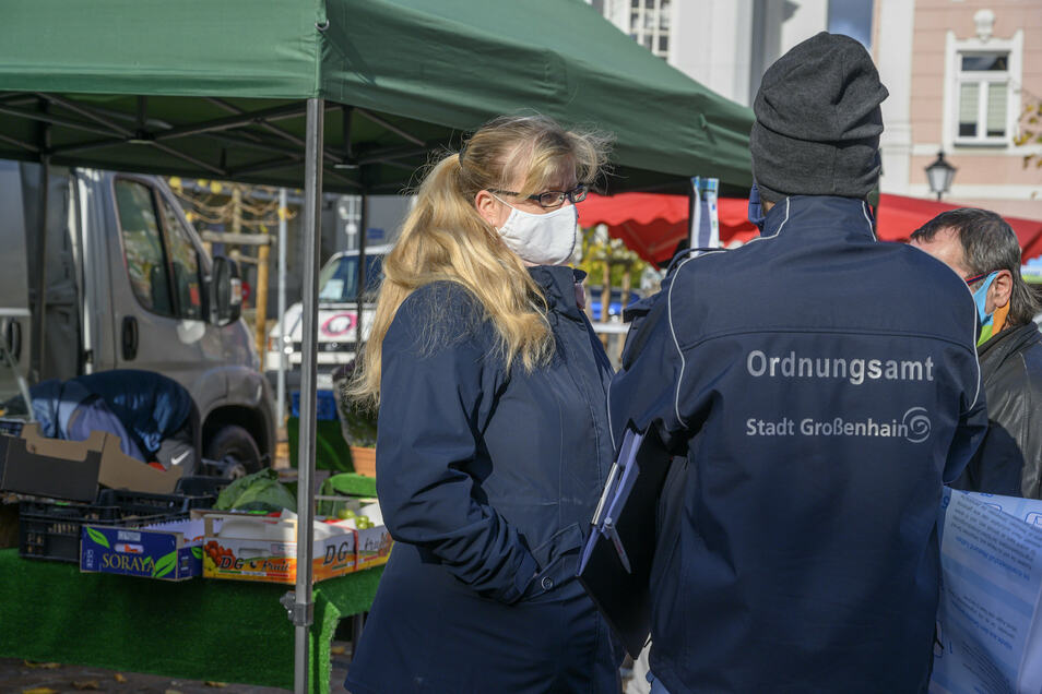 Das Großenhainer Ordnungsamt setzt bislang bei seinen Kontrollen vor allem auf Aufklärung und Kommunikation zur Maskenpflicht.