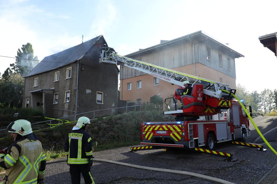 Bei einem Brand in Großschirma wurde ein 73-Jähriger schwer verletzt. Das Haus ist derzeit unbewohnbar.