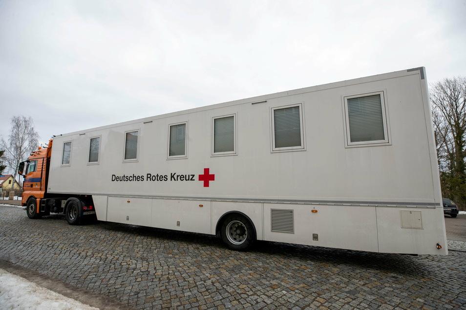 Das mobile Impfzentrum des DRK ist derzeit testweise in Sachsen unterwegs.