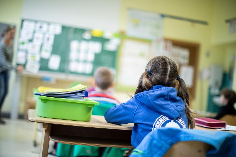 Ab Donnerstag können die Schulen in Mittelsachsen wieder im Wechselunterricht öffnen.