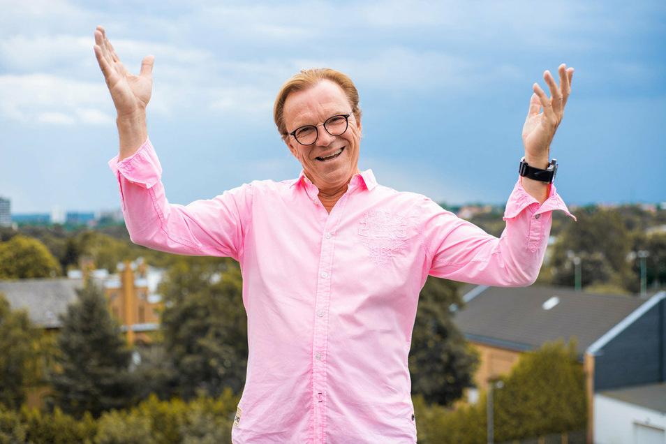 Wolfgang Lippert. Der ausgebildete Sänger ist vielen vor allem als TV-Moderator bekannt. Nun hat er ein neues Album produziert.