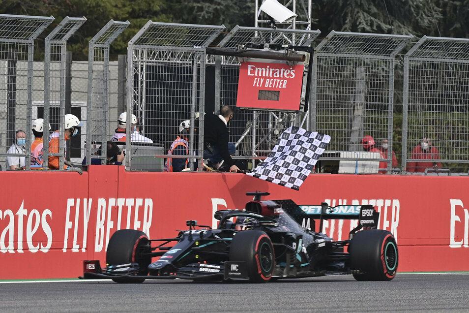 Einmal mehr überquerte Lewis Hamilton als erster die Ziellinie.