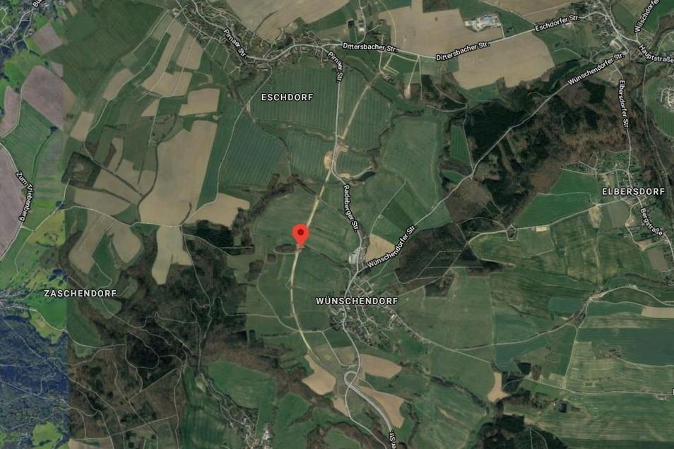 Auf dem Satellitenbild von Google kann man die geplante Streckenführung nahe Eschdorf und Wünschendorf bereits deutlich erkennen. Rot markiert ist der Biotop Klemnitztal.