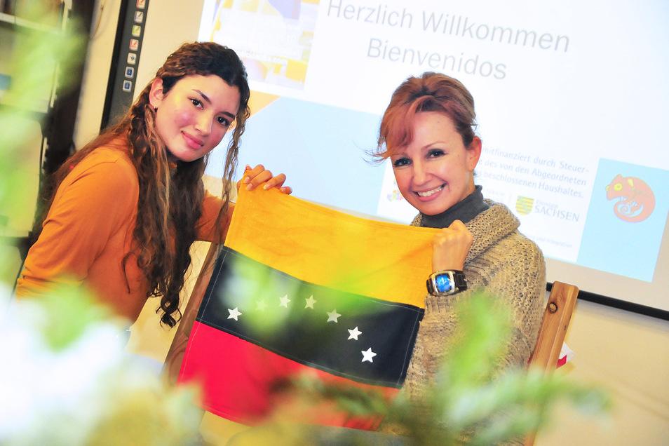 Die Architektin Reina Corti (r.) und ihre Tochter Maria Cristina sind aus Venezuela geflohen. In Deutschland wollen sie sich eine neue Existenz aufbauen. Maria Christina will auch Architektin werden.