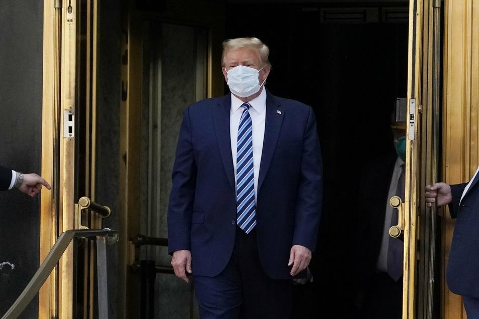 Maske trägt Trump nur ungern und dementsprechend selten.