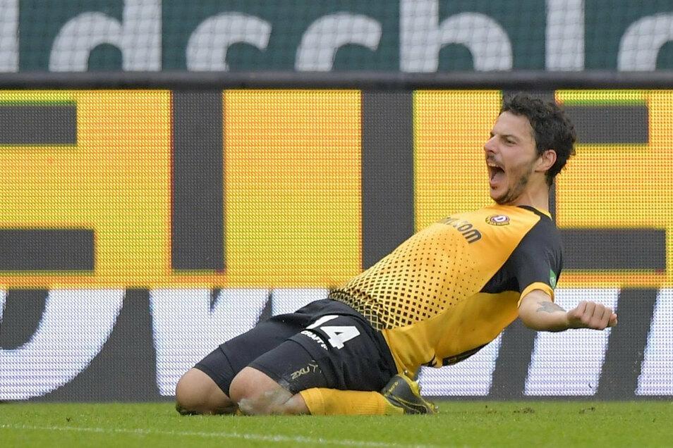 Philipp Hosiner bringt Dynamo quasi mit dem Pausenpfiff mit 1:0 in Führung - das Tor ist der Schlüssel zum Sieg.