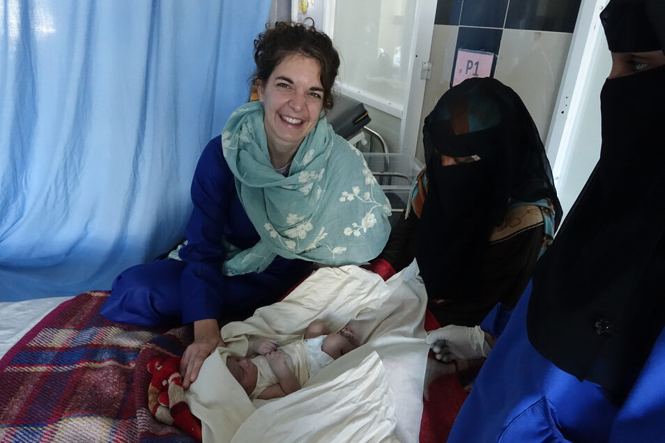 Dorothea Müller arbeitet seit elf Jahren als Hebamme. Für Ärzte ohne Grenzen war die 31-Jährige bereits in Pakistan, im Kongo und im Jemen.