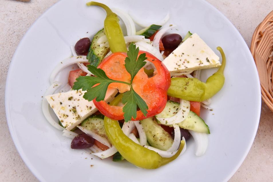 Für 8,20 Euro bekommt man im Akropolis einen griechischen Salat mit Feta.