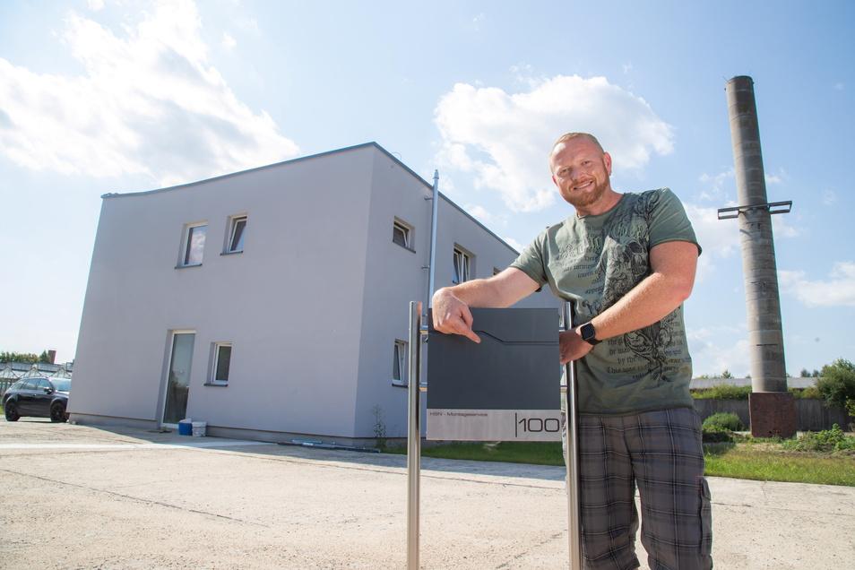 Christian Noack am neuen Domizil in Kunnersdorf-Feldhäuser.