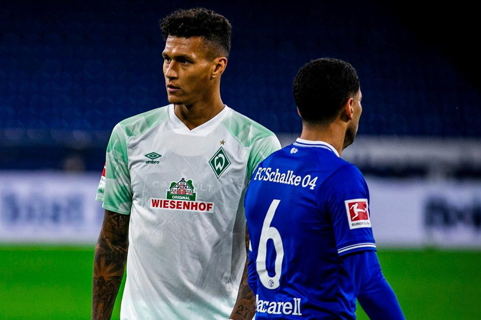 Werder Bremen und Schalke 04, hier mit Davie Selke (l.) mit Omar Mascarell, sind Dynamos attraktivste Gegner in der 2. Bundesliga - neben dem HSV.