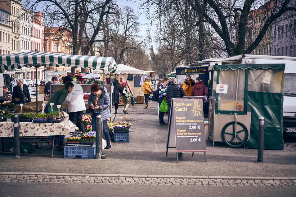 Noch am Mittwoch herrschte reges Treiben auf dem Görlitzer Wochenmarkt.