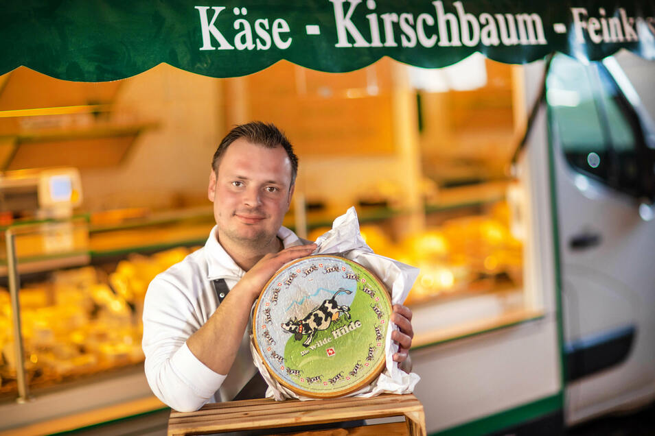 Hofft darauf, ab Mittwoch wieder die Frischemärkte in Sachsen anfahren zu dürfen: Der Roßweiner Käsehändler Christoph Kirschbaum.
