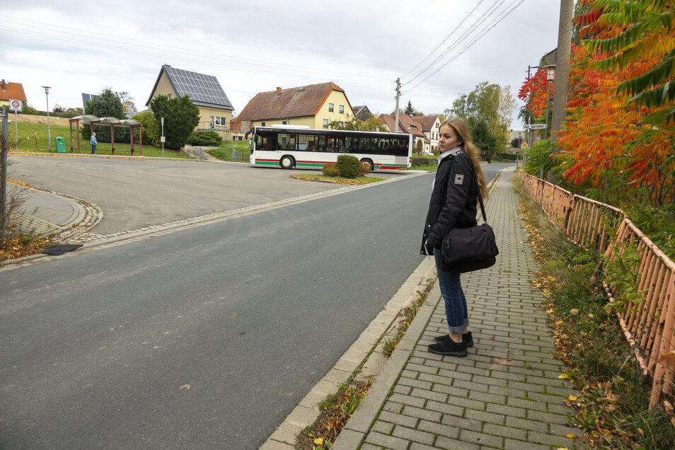 Zwischen Buswendeplatz und alter Schule wünschen sich die Gleisberger einen Schutzweg. Doch Messungen haben gezeigt: Kraftfahrer halten sich überwiegend an die Geschwindigkeit.