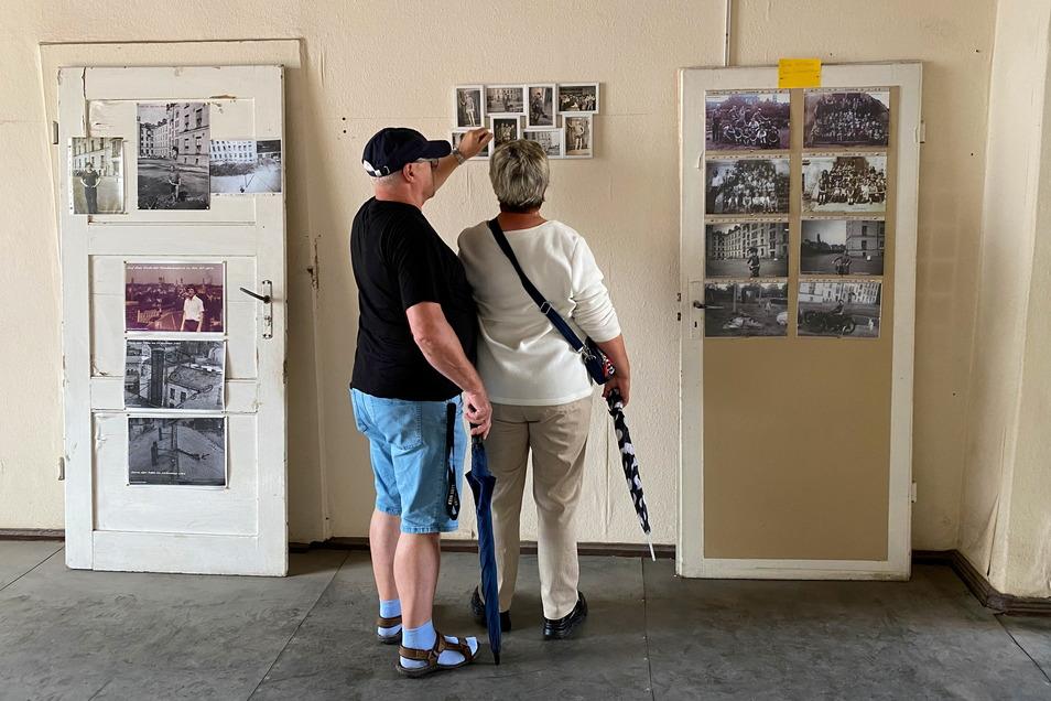 Die Mandaukaserne ist gut besucht gewesen. Alte Türen dienten hier als improvisierte Ausstellungsfläche.