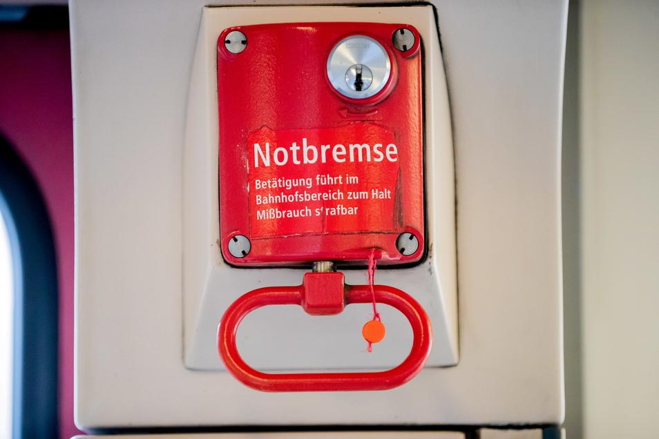 Der Bund zieht die Notbremse: In Hotspots sollen strengere Regeln gelten.