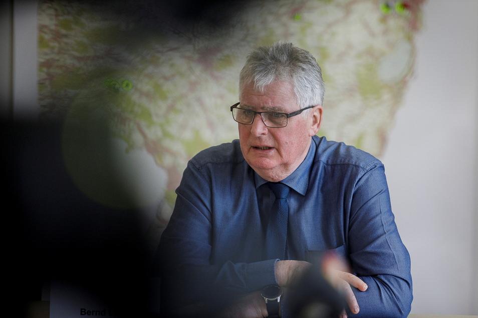 Er ist für immer weniger Einwohner verantwortlich: Landrat Bernd Lange (65, CDU). Nächstes Jahr tritt er nicht mehr zur Wiederwahl an.