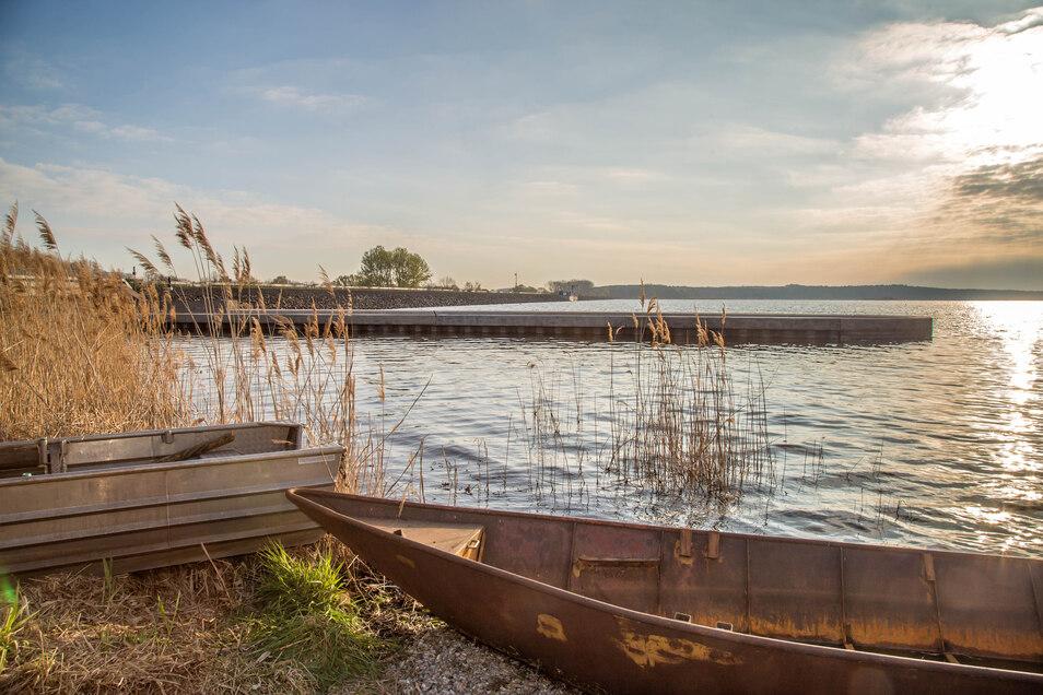 Still ruht der Quitzdorfer Stausee. Menschen waren hier am Osterwochenende weder zu Fuß, noch auf dem Fahrrad oder per Boot unterwegs.