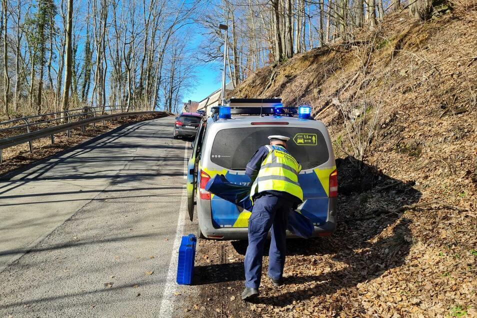 Der Unfalldienst der Polizeidirektion Chemnitz hat zum Unfall am Burgberg ermittelt.