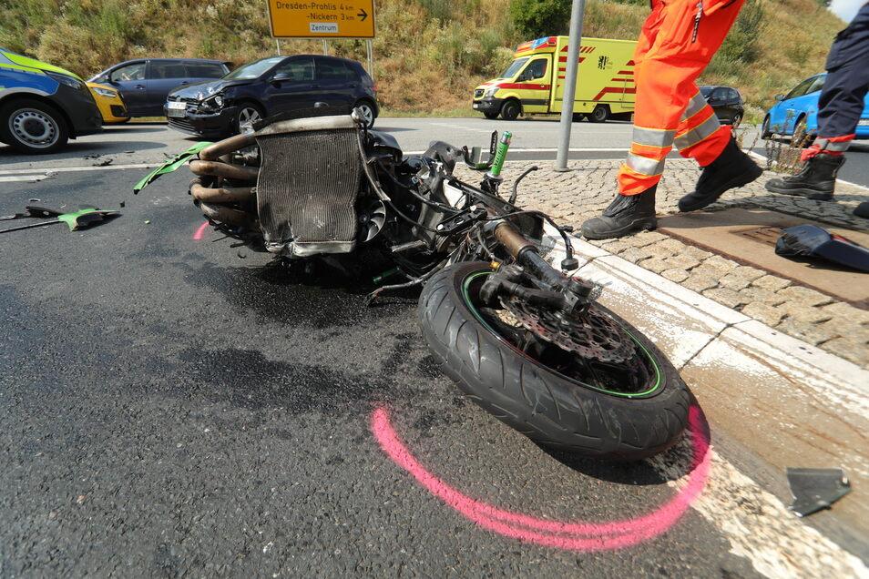 Die Kawasaki wurde bei dem Unfall total zerstört.