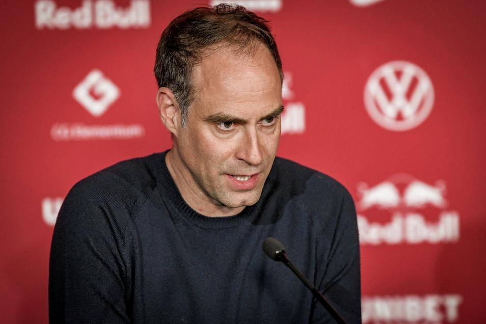 RB Leipzigs Vorstandsvorsitzender Oliver Mintzlaff hat sich die Anreise zum DFB-Pokalfinale nach Berlin auf eine ungewöhnliche Weise vorgenommen.