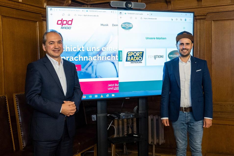 Der Görlitzer Oberbürgermeister Octavian Ursu (links) und Ronny Schulz, Programmchef von dpd Driver's Radio freuen sich über den Start der Radio-Kampagne.