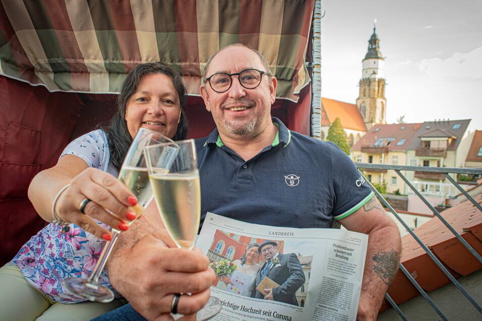 Kathrin und Gerd Bräunig aus Kamenz feiern am 6.6.2021 ihren ersten Hochzeitstag. Sie waren das erste Paar, das im Landkreis Bautzen nach dem ersten Lockdown vor einem Jahr eine halbwegs normale Hochzeit mit Gästen und in einer Gaststätte feiern konnte
