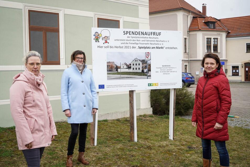 Anett Pötschke, Anita Knies und Ramona Clauß (v. l.) sind drei von vier Gemeinderatsmitgliedern, die es sich zum Ziel gesetzt haben, Neschwitz einen Spielplatz zu schenken. Gebaut werden soll der noch in diesem Jahr - wenn die Voraussetzungen stimmen.