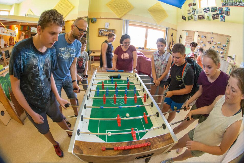 """Der Schulclub """"Flitzpiepe"""" in Kodersdorf ist ein beliebter Treff für die jungen Leute. Jetzt hat der Gemeinderat auch die Finanzierung für das nächste Schuljahr geklärt."""