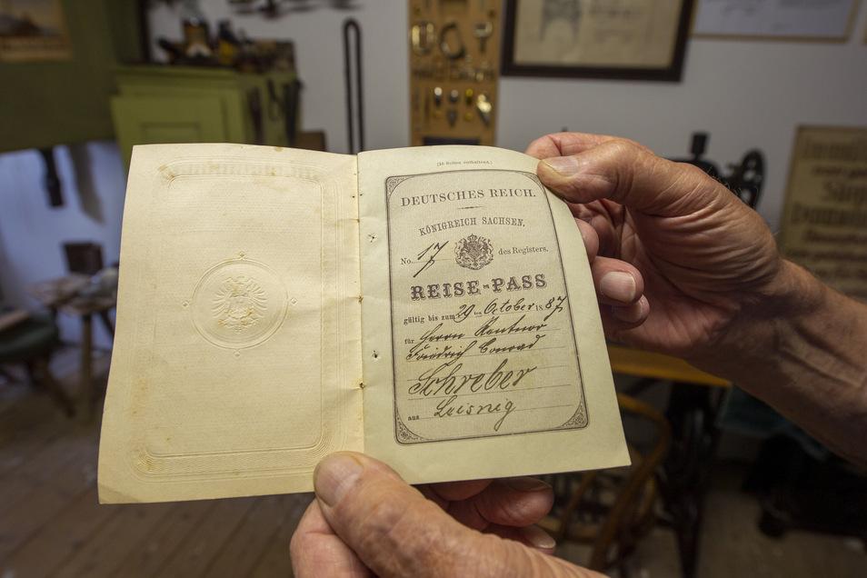 Ein Reisepass aus dem Jahr 1887 gehört zu den ältesten Dokumenten.