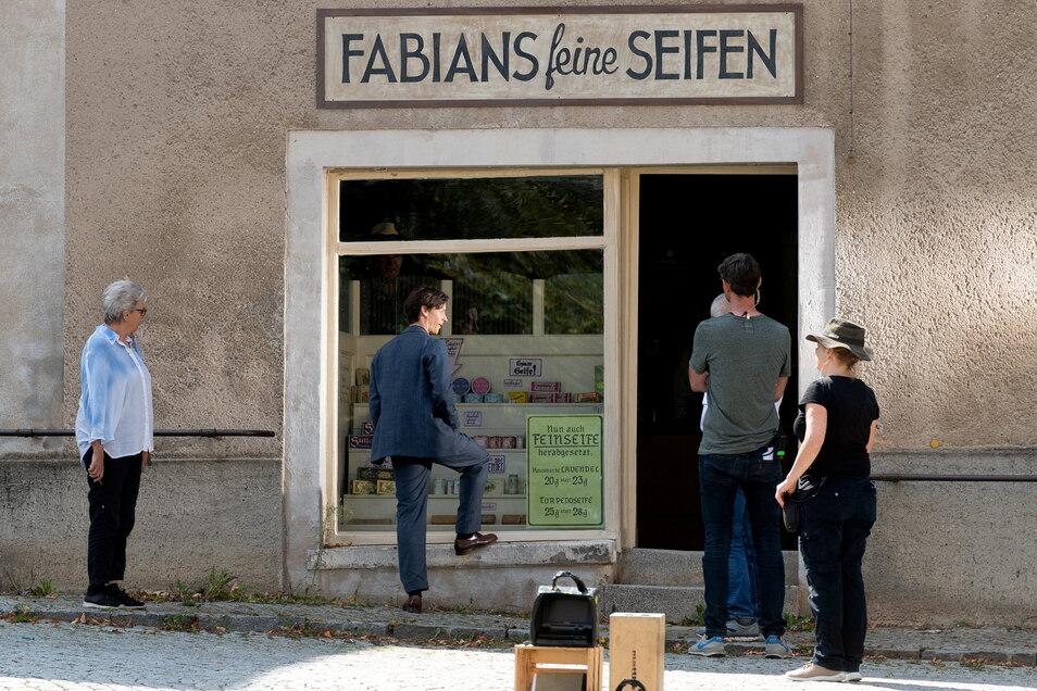 Im Eckladen zog für ein paar Tage ein Seifenladen ein. Dorit Kumpe erinnert sich, dass es früher tatsächlich einmal eine Seifensiederei in Kleinwelka gab.
