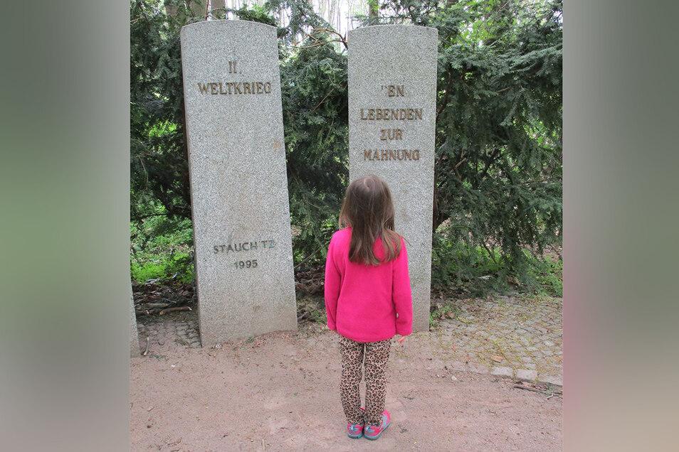 Zum dritten Mal seit 1995 wurde das Kriegsdenkmal in Stauchitz geschändet.