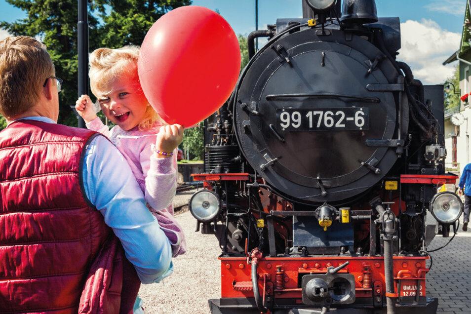 Der Lößnitzdackel lädt zum Dampfzugfestival.