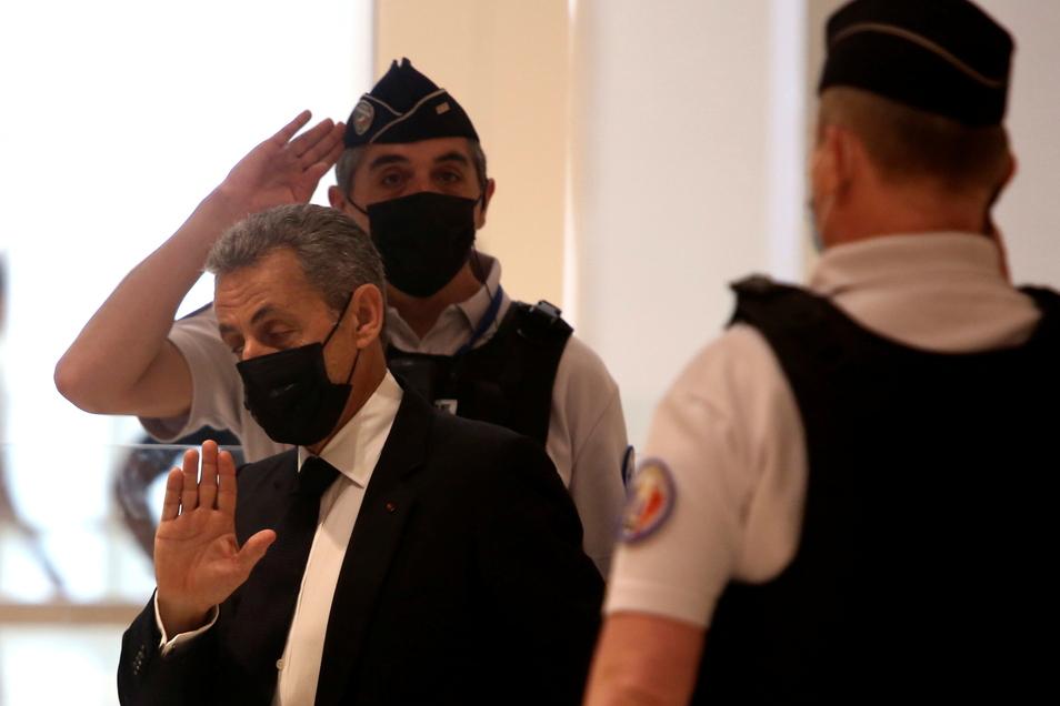 Frankreich Ex-Präsident Nicolas Sarkozy wurde wegen überhöhter Wahlkampfkosten verurteilt.