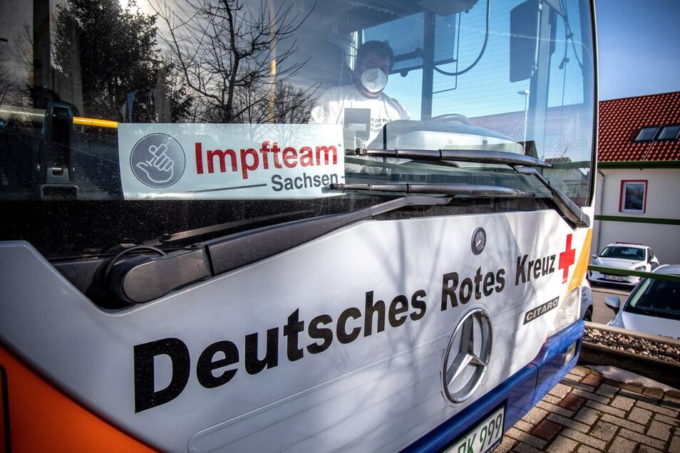 Der Impfbus des DRK ist nächste Woche an vier Tagen in Leisnig und Bockelwitz. In Roßwein sieht der Tourenplan erst Ende Mai Stopps vor.