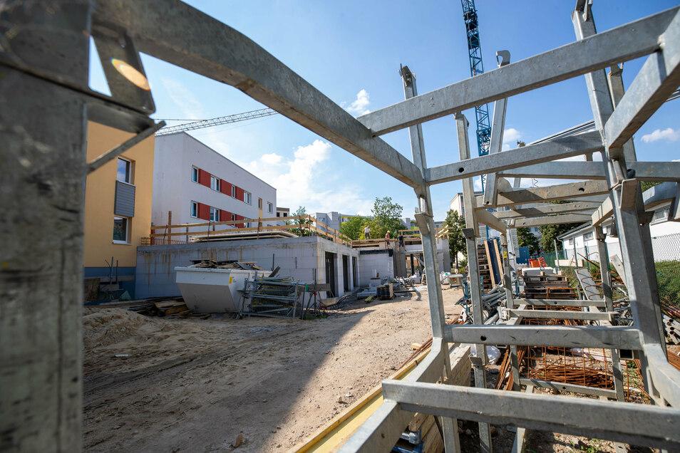 Baustelle und Kita zugleich: Die Flohkiste in Heidenau-Mügeln erhält einen Anbau, von dem auch das Wohngebiet etwas hat.
