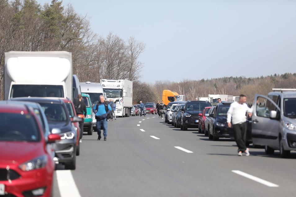 Aufgrund des Unfalls staute sich der Verkehr auf der A4 in Richtung Dresden.