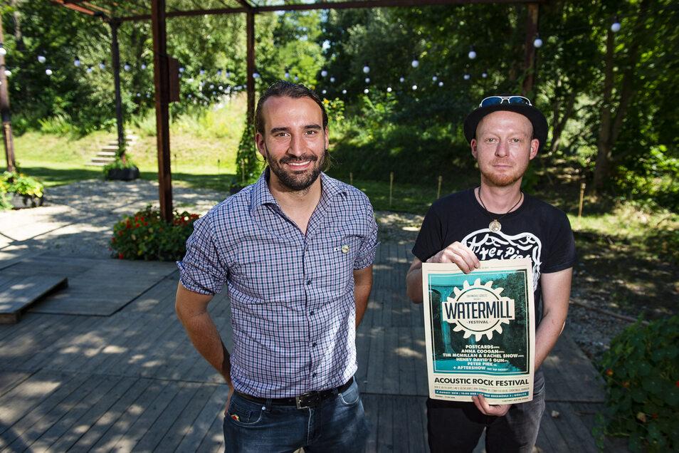 Obermühlen-Inhaber Jörg Daubner (l.)  und Mario Kelling wagen am Sonnabend eine zweite Auflage des  Watermill-Festivals.