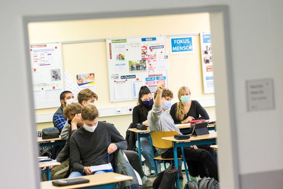 Die Linksfraktion im sächsischen Landtag will eine Reformdebatte über Schule in Gang bringen.