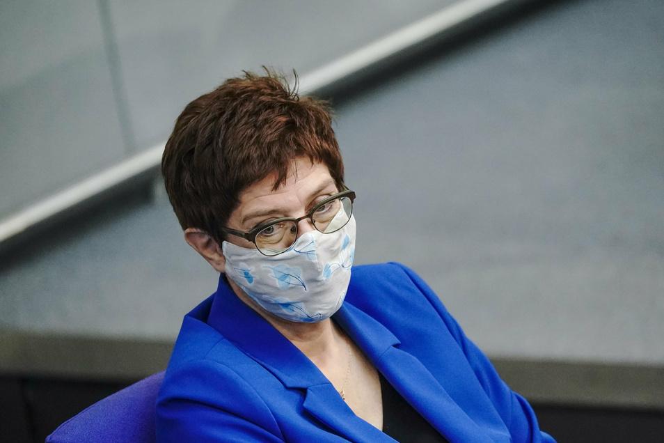 Verteidigungsministerin Kramp-Karrenbauer will Europa auf dem Feld von Cybersicherheit und digitaler Infrastruktur eigenständiger zu machen.