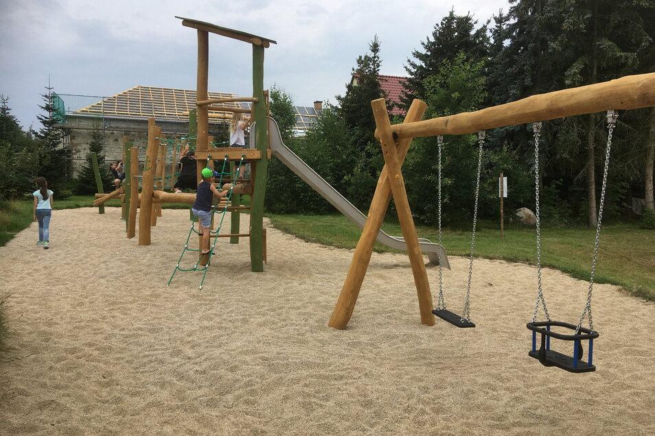 Der neue Spielplatz am Gemeindehaus Ponickau. Träger ist die Kirche.