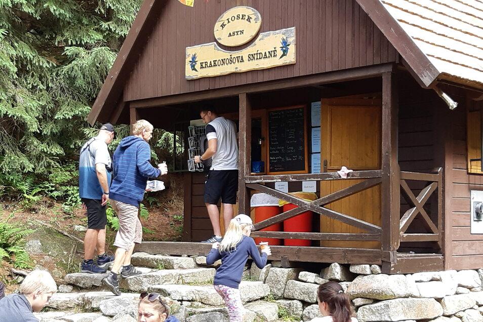 In unruhigen Zeiten entscheiden sich manche für näherer Urlaubsziele. Sächsische.de hat das in Harrachov im tschechischen Riesengebirge getestet, nicht nur am sogenannten Rübezahl-Frühstück.