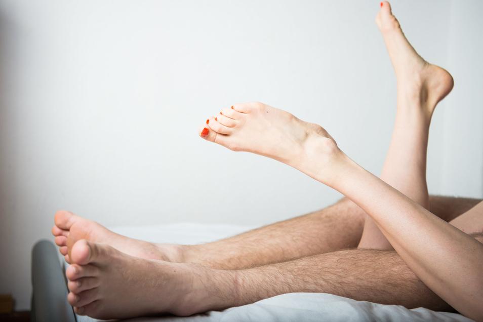 Nur etwa jeder zweite Bundesbürger hat wenigstens einmal pro Monat Sex.
