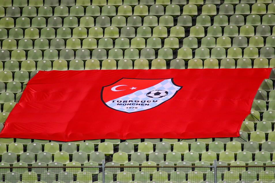 Leere Ränge auch bei Türkgücü München - nun verkauft der Verein Geistertickets.